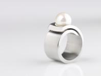 Spiranova Perle Est Ring